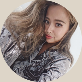 カリスマ人気モデル「佐野真衣子」