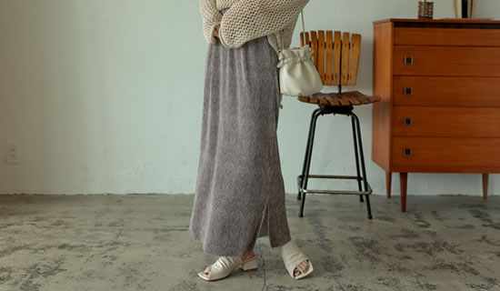 [2021SUMMER COLLECTION][低身長サイズ有]総柄マットプリーツIラインスカート