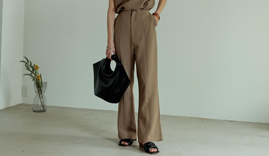 [飯豊まりえさん着用][低身長/高身長サイズ有]ストレッチツイルバックスリットダーツパンツ