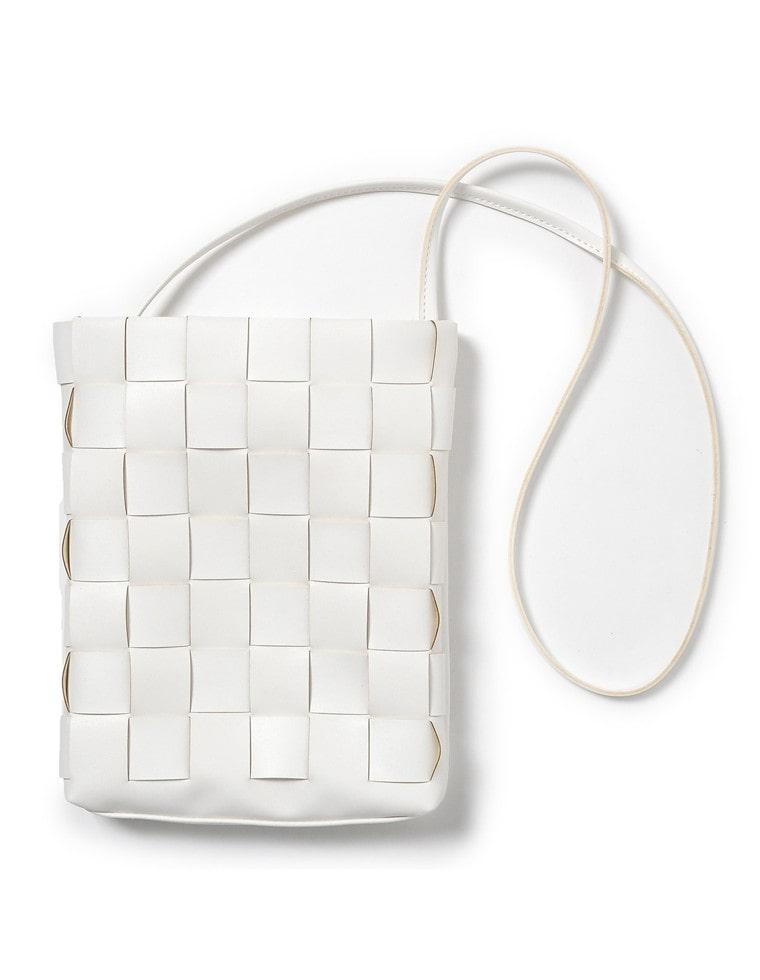[近藤千尋さん着用]編み込みデザインショルダーバッグ