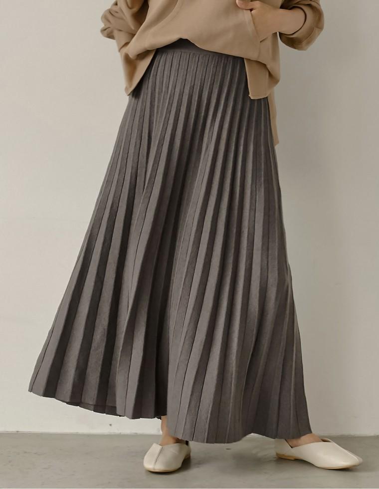 もっちりニットプリーツロングスカート